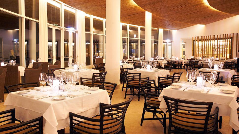 thiết kế nhà hàng khách sạn hiện đại